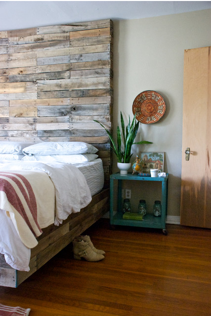 AltruWood FocalPoints Bedroom Reclaimed Focal Points: Choosing a Reclaimed Wood Statement Piece